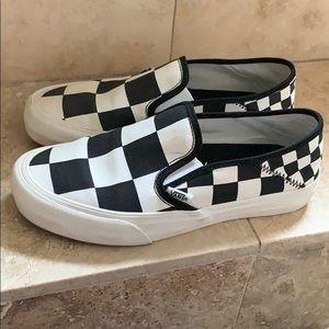 Super RARE unique checkered VANS black white 7.5